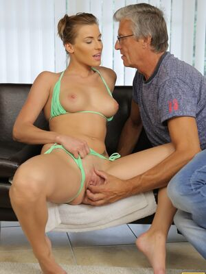 Daddy 4K - Smoking hot Victoria lets her old stepdad lick and bang her yummy pussy